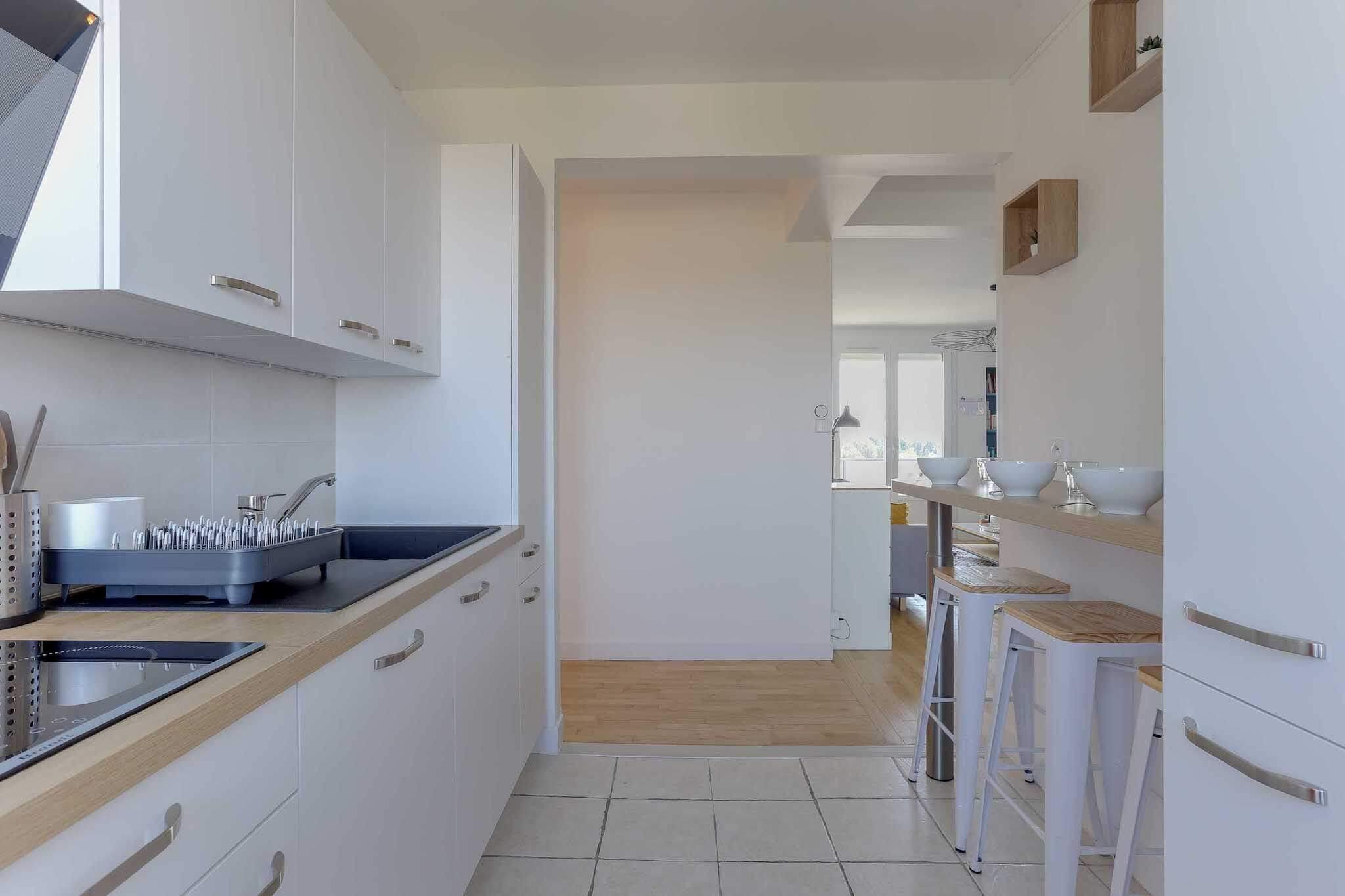 grande-cuisine-lumineuse-location-colocation-appartement-meublé-rennes