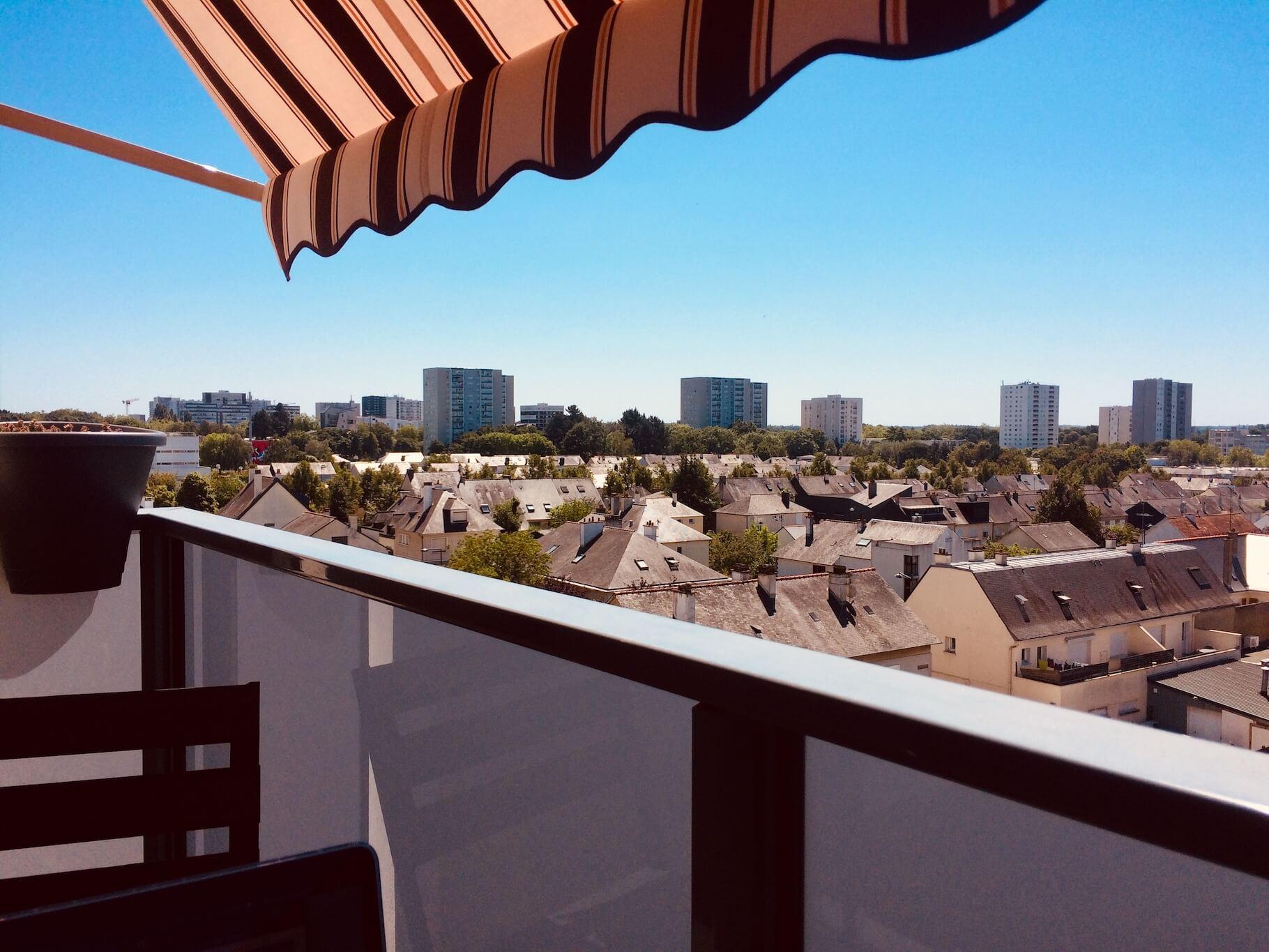 location-colocation-appartement-meublé-rennes-balcon